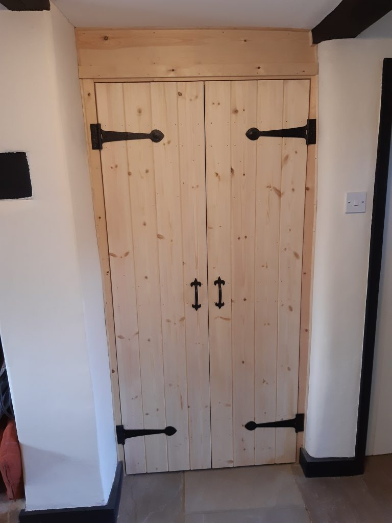 Traditional ledge and braced doors